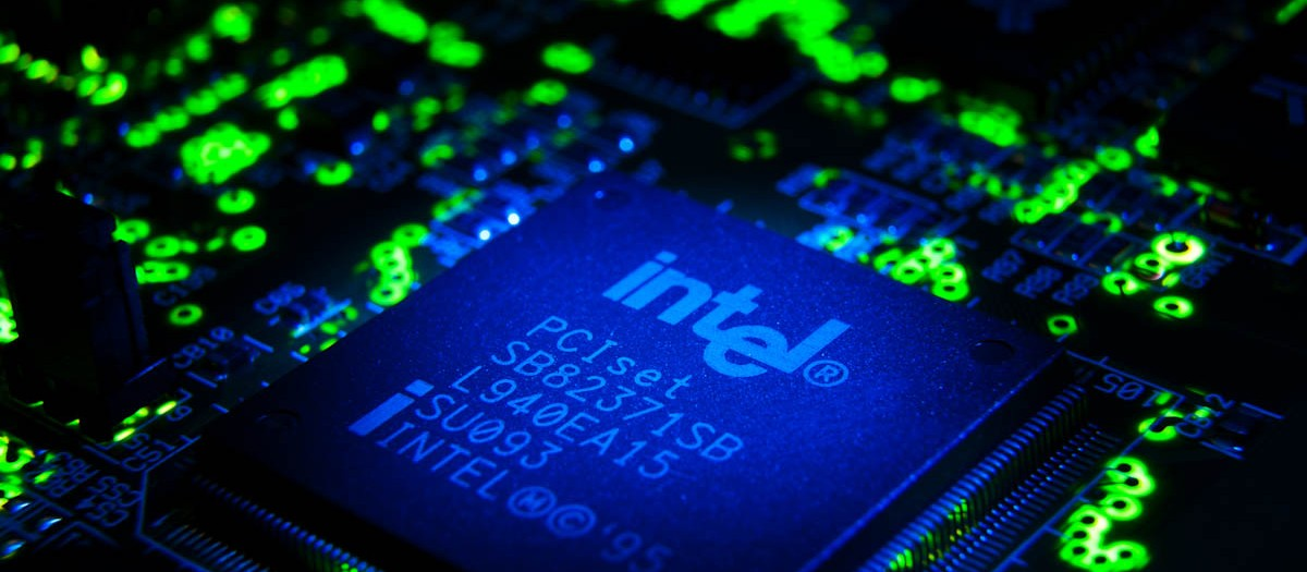 Electronic Assignment - Intel Chip